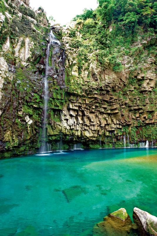 キレイライフプラス|鹿児島:雄川の滝(鹿児島県南大隅町)